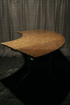 Serpentine Table $9.00